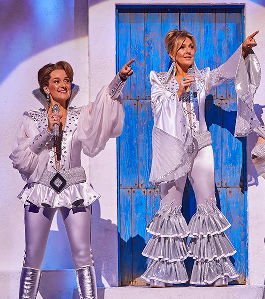 LtoR_Kirsty_Hoiles_as_Tanya_Mazz_Murray_as_Donna_Ricky_Butt_as_Rosie_in_MAMMA_MIA__Credit_Brinkhoff_Mögenburg_sqcut0